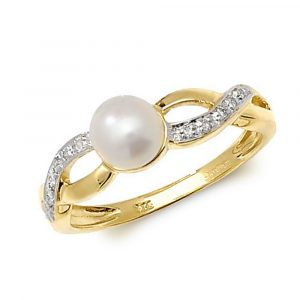 Diamond and Fresh Water Pearl Ring in 9ct Yellow Gold (0.03ct)